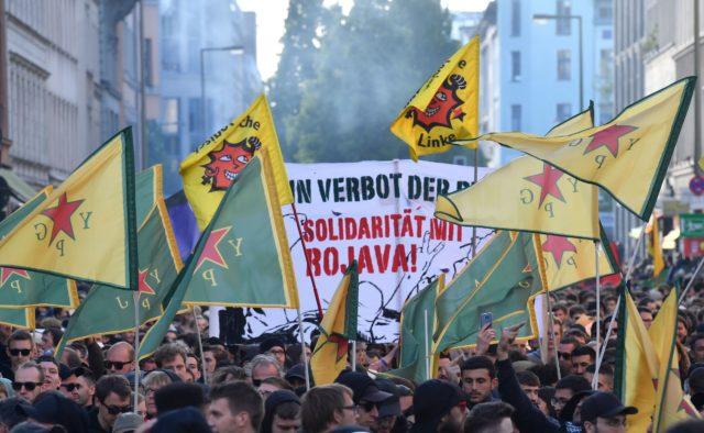 Beitrag zum Revolutionären 1. Mai in Berlin: Das kurdische Fahnenmeer bzw. die unangemeldete Phase