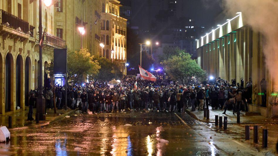 """""""Revolution überall"""" – Ein Gespräch zwischen Hongkonger und libanesischen Demonstranten"""